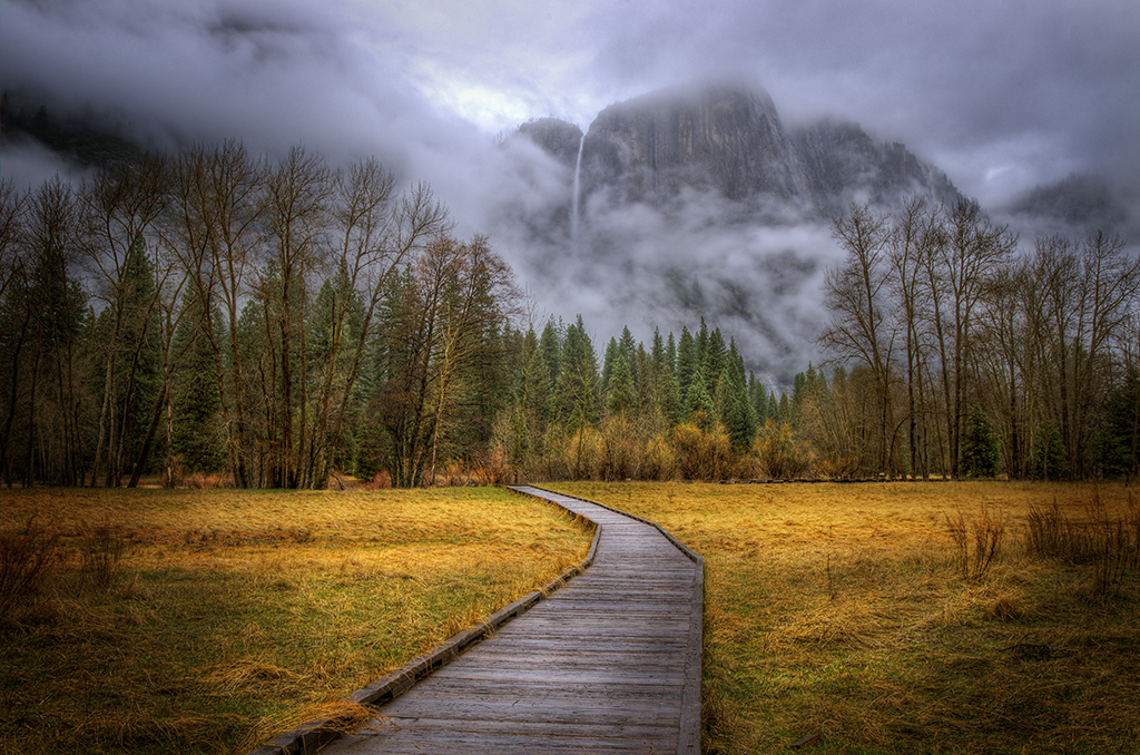 Path to Yosemite Falls